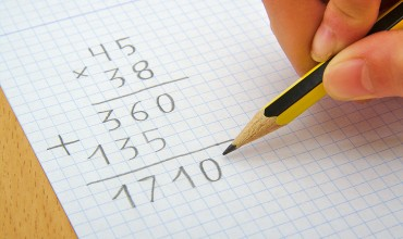 Getting the Services of an Online Math Tutor for Your Child's Education